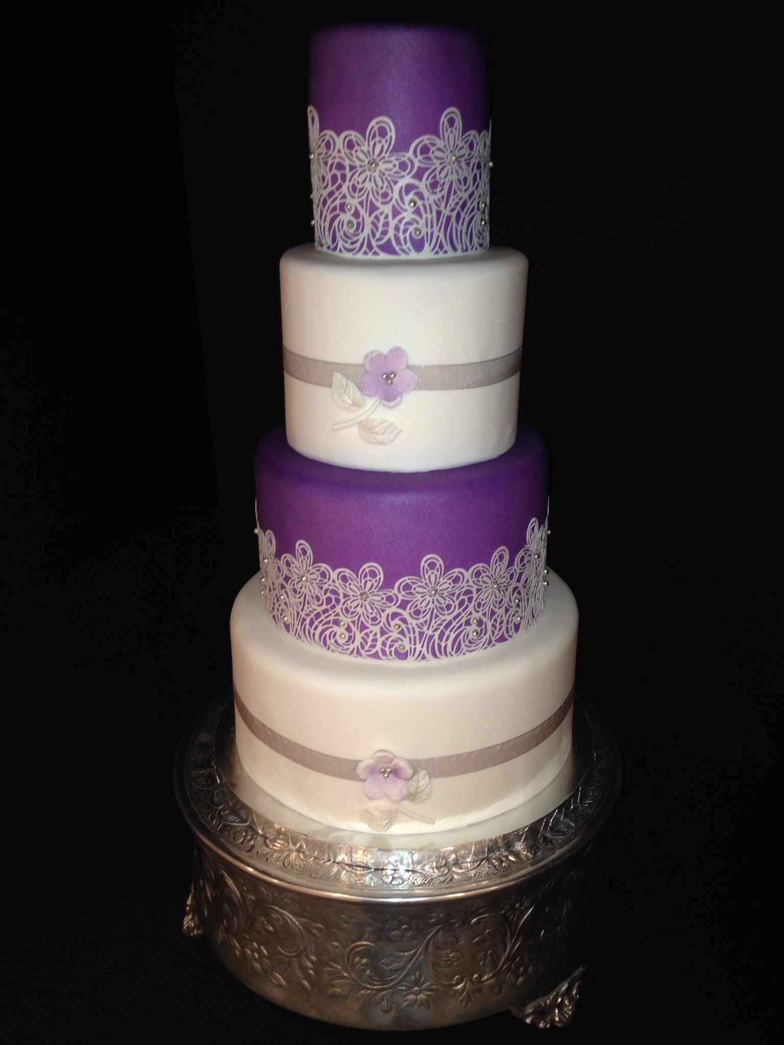 Kerryus lavender and silver wedding cake by m and t events m and t