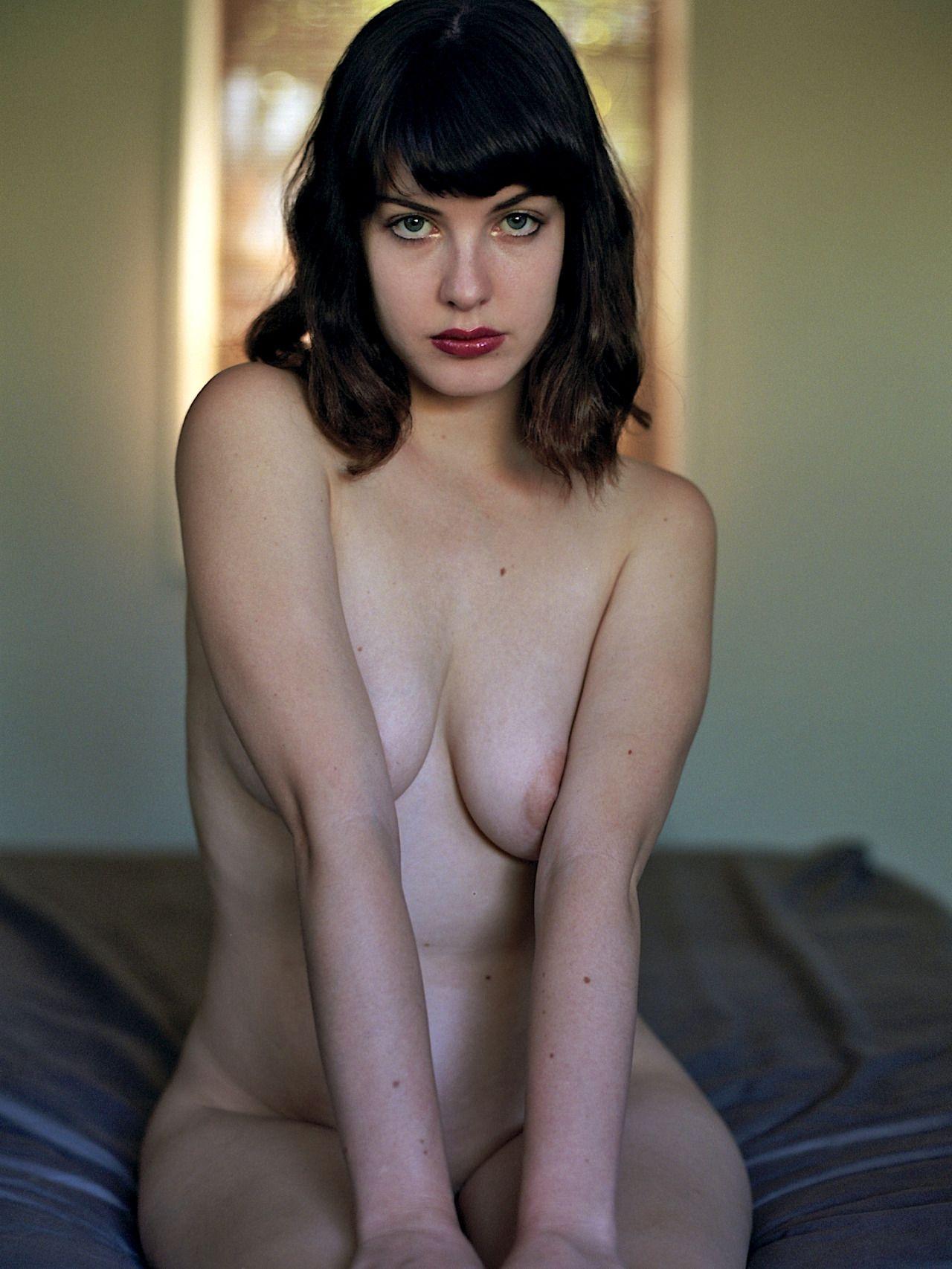 Amanda Jones Nude pin on dope.