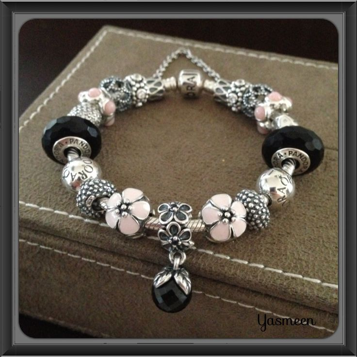 tendance bracelets pandora bracelet with pretty pink and. Black Bedroom Furniture Sets. Home Design Ideas