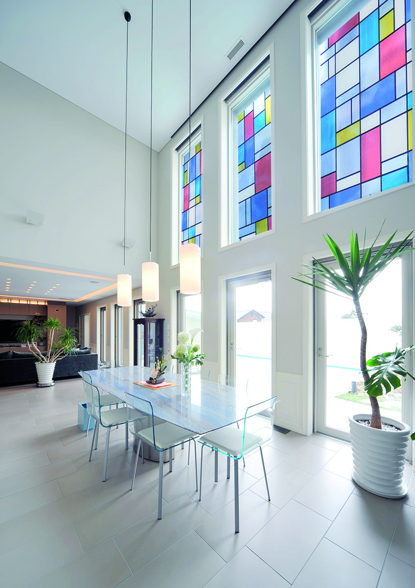 Window privacy ideas  a lovely stained glass look thatus chic and modern stainedglass