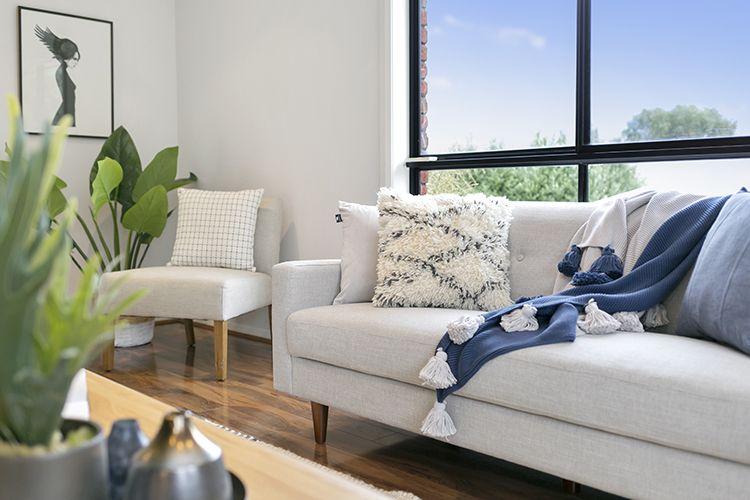 Best Neutral Sofa Blue Cushion Cream Texture Cushion Cream 400 x 300