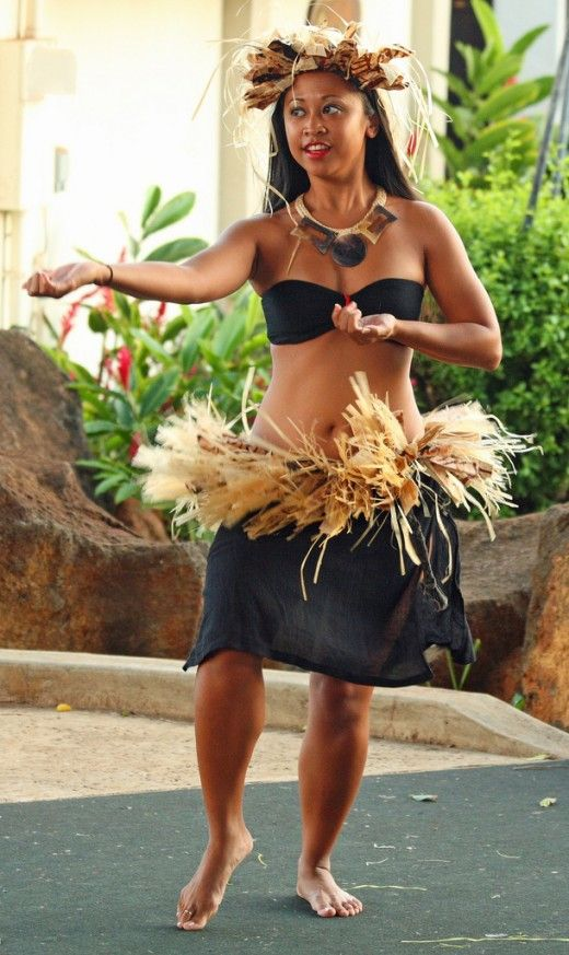 How To Dance Hula Basic Hula Dancing Techniques Hula Dance Hawaiian Hula Dance Polynesian Dance