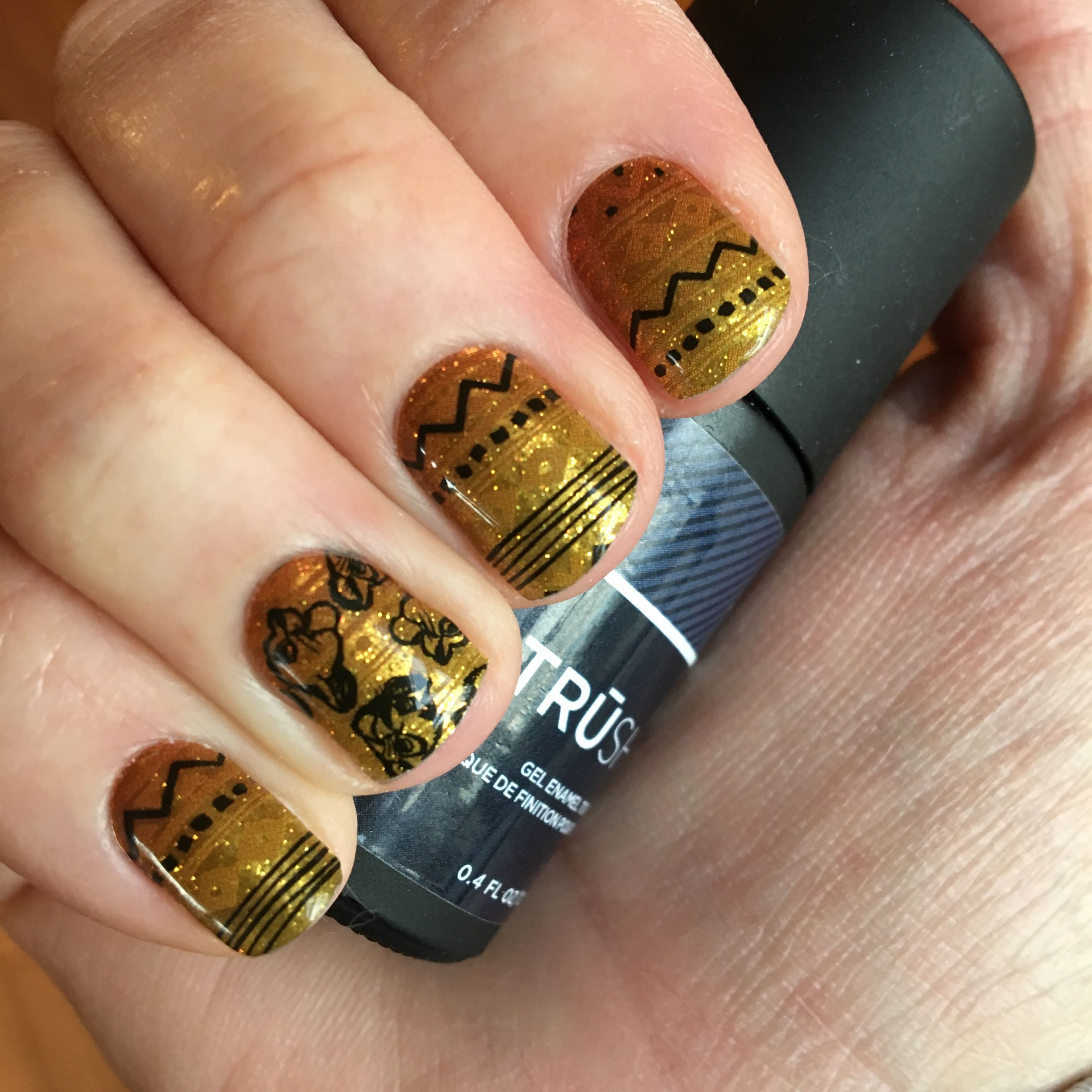 Disney Nails - Lion King #disneynails #lionking www.loriknox ...