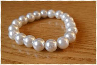 Silvia Jewellery of Style: Bracciale elastico perle bianche