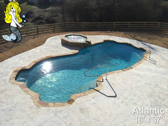 16 X 37 Atlantic 8 Deep Fiberglass Swimming Pool Featuring 4 Built In Seating Areas Spacious Swim Area 3 Fiberglass Swimming Pools Pool Swimming Pools