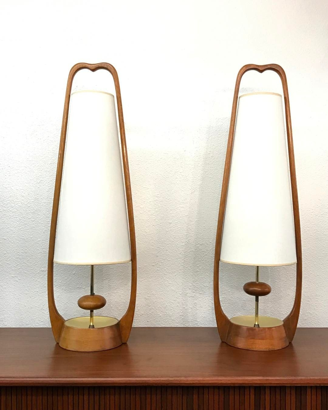 377 Likes 26 Comments Ai Modern Aimodern5616 On Instagram Amazing Mid Century Mid Century Modern Table Lamps Modern Table Lamp Mid Century Modern Lamps