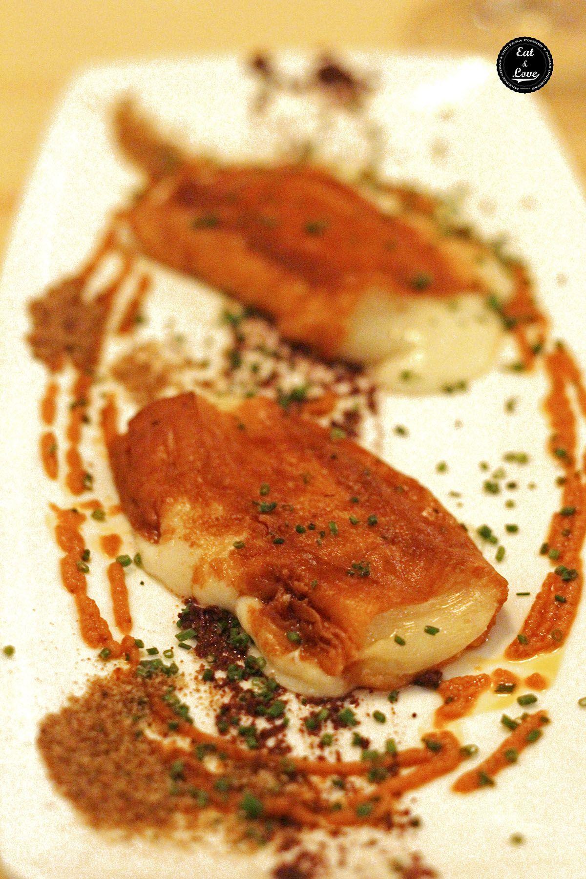Queso majorero a la plancha con olivada negra y confitura de tomate - Restaurante Atlantik Corner Madrid