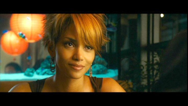 Halle Berry As Catwoman Rock That Pixie Cut Hair Movie Short