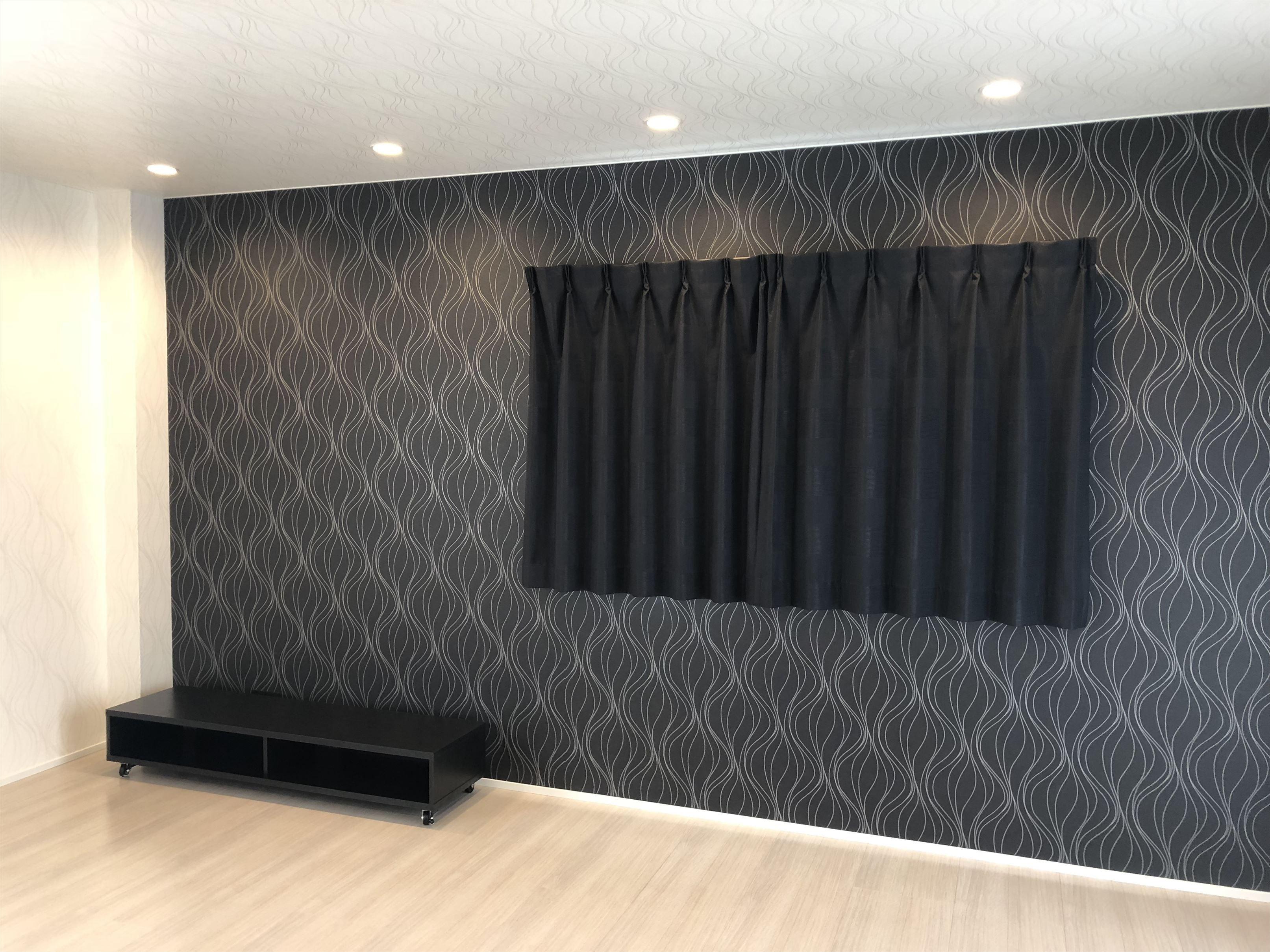 黒のカーテンです★ | カーテン, カーテンコール