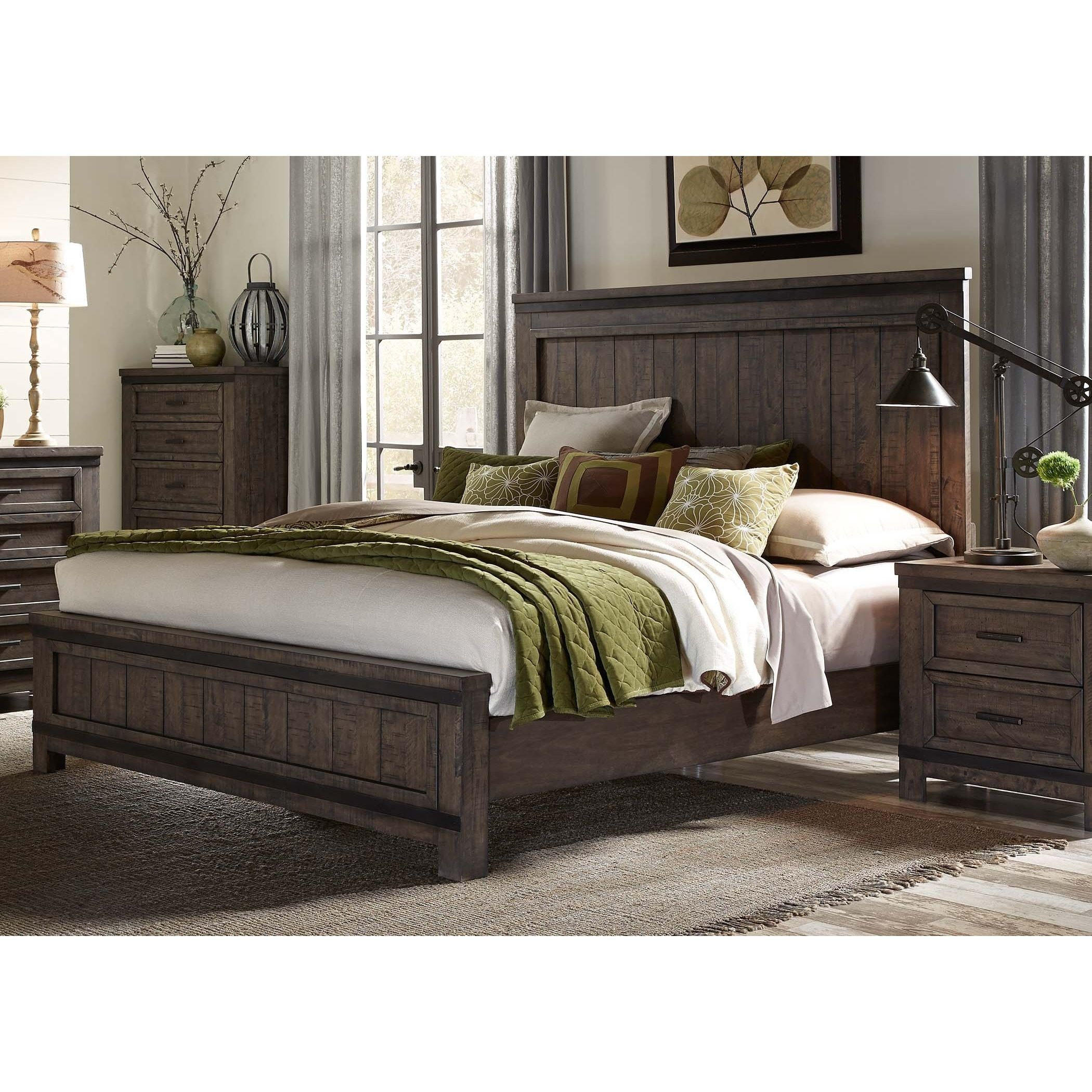 Thornwood Hills Rock Beaten Gray Panel Bed King storage