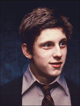 Jamie Bell As Peter Pettigrew Google Search Marotinhos Stephen Hawking Atores