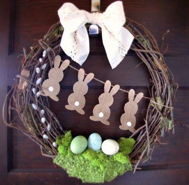 Une couronne pour #pâques à accrocher sur la porte du0027entrée !