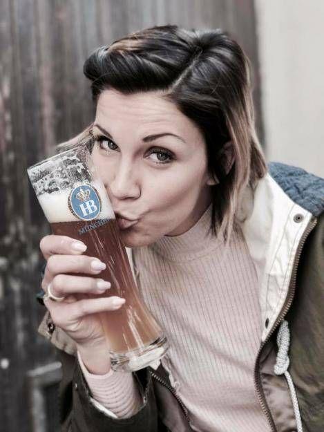 Schwangere Anna Maria Zimmermann Trinkt Sie Noch Bier Anna Promi News Und Bier
