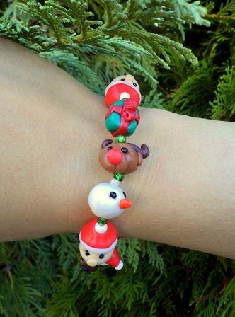 Christmas Bracelet - Reindeer, Teddy Bear, Christmas Present, Snowman, Santa Claus Bracelet - Cute Polymer Clay Christmas Beads, €12,00