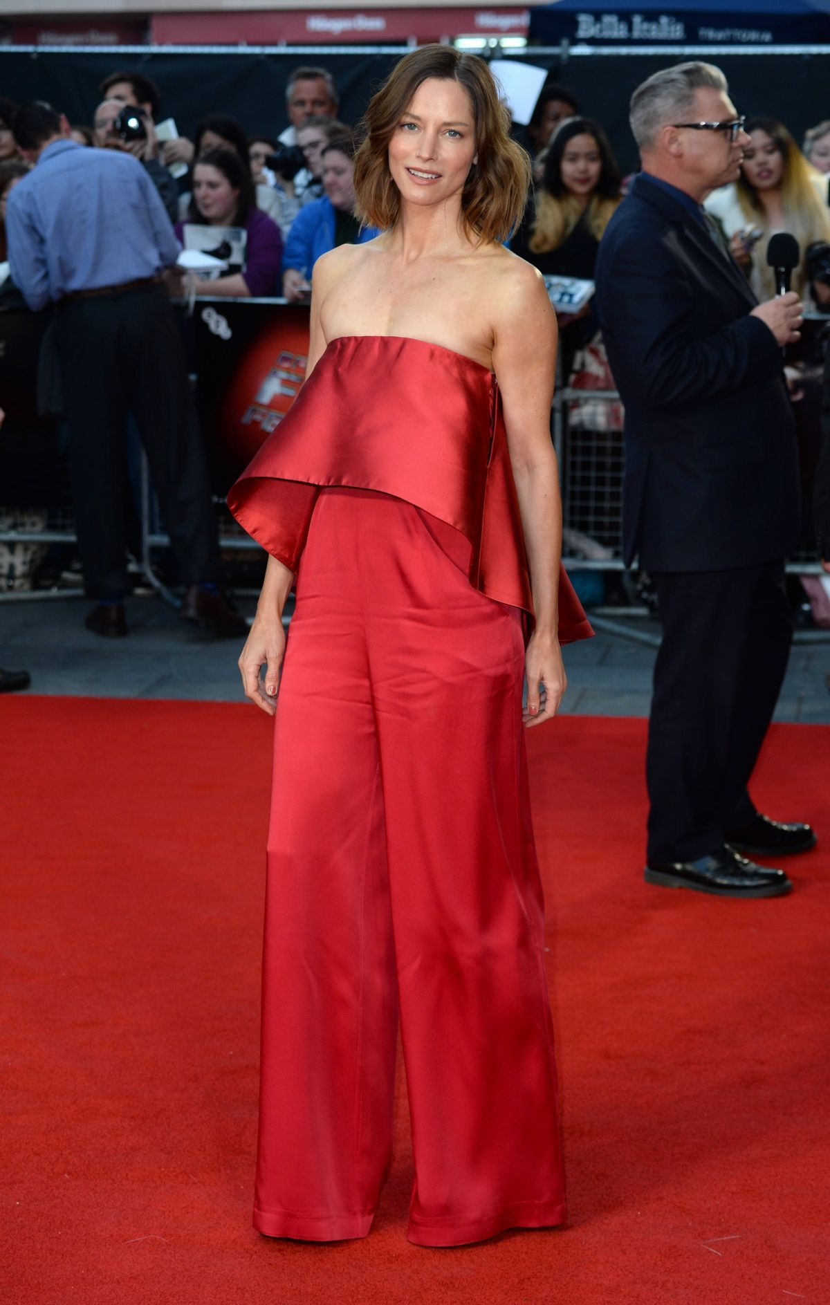 Sienna Guillory.. Fashion, Celebrity outfits, Strapless