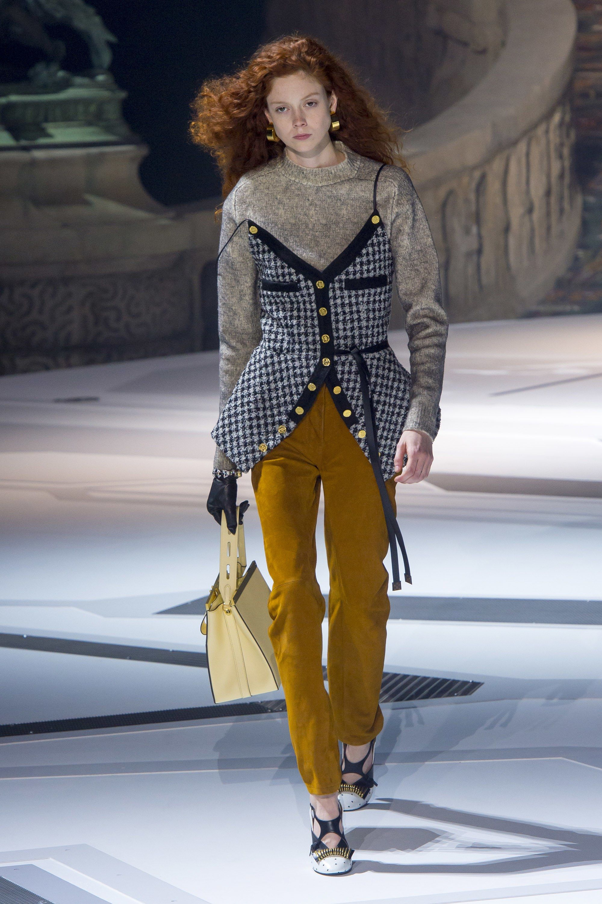 66e9891ce2 The complete Louis Vuitton Fall 2018 Ready-to-Wear fashion show now on Vogue
