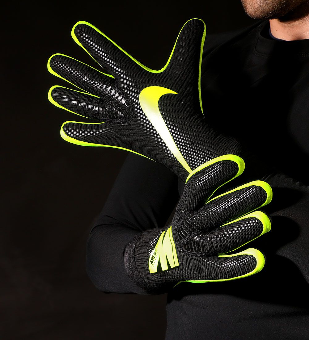 si Claraboya solidaridad  Nike GK Mercurial Touch Elite | Portero de futbol, Guantes de fútbol,  Arquero de futbol