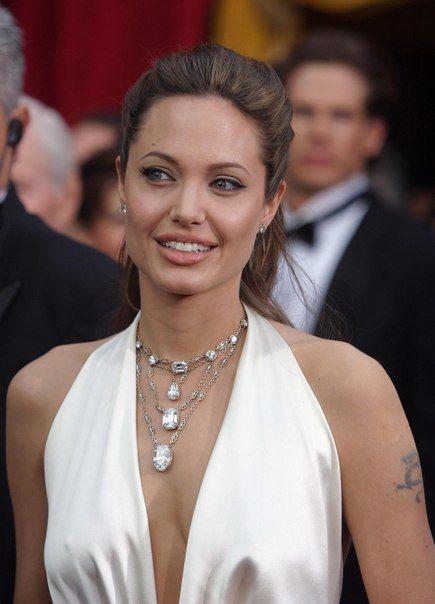 Дата: 29 февраля 2004| Место: Лос-Анджелес, США Событие: 76-я церемония вручения наград премии «Оскар»
