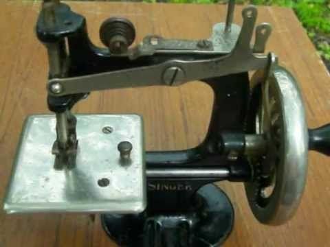 Mini singer hand crank cast iron toy no 20 working machine for mini singer hand crank cast iron toy no 20 working machine for antique sewing sciox Gallery