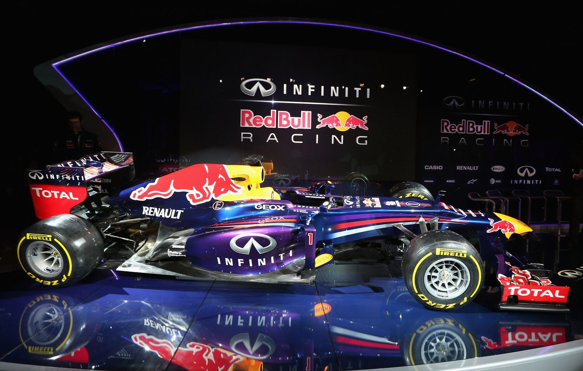Infiniti red bull racing reveals the rb9 http www orlandoinfiniti com