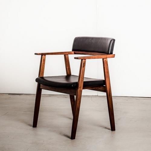 リゼルバ アームチェア [ ウォールナット ] RISERVA Arm Chair   ナガノインテリアのチェア通販 |