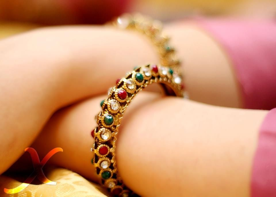 Dulhan Bride Indian Pakistani Desi Wedding Bangles --- XYRA ...