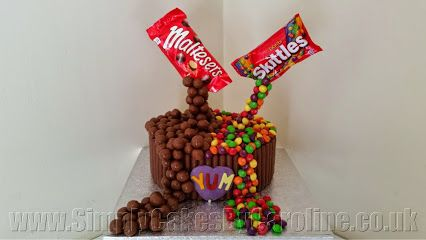 sweetie cake for a Mirfield customer  http://simplycakesbycaroline.co.uk