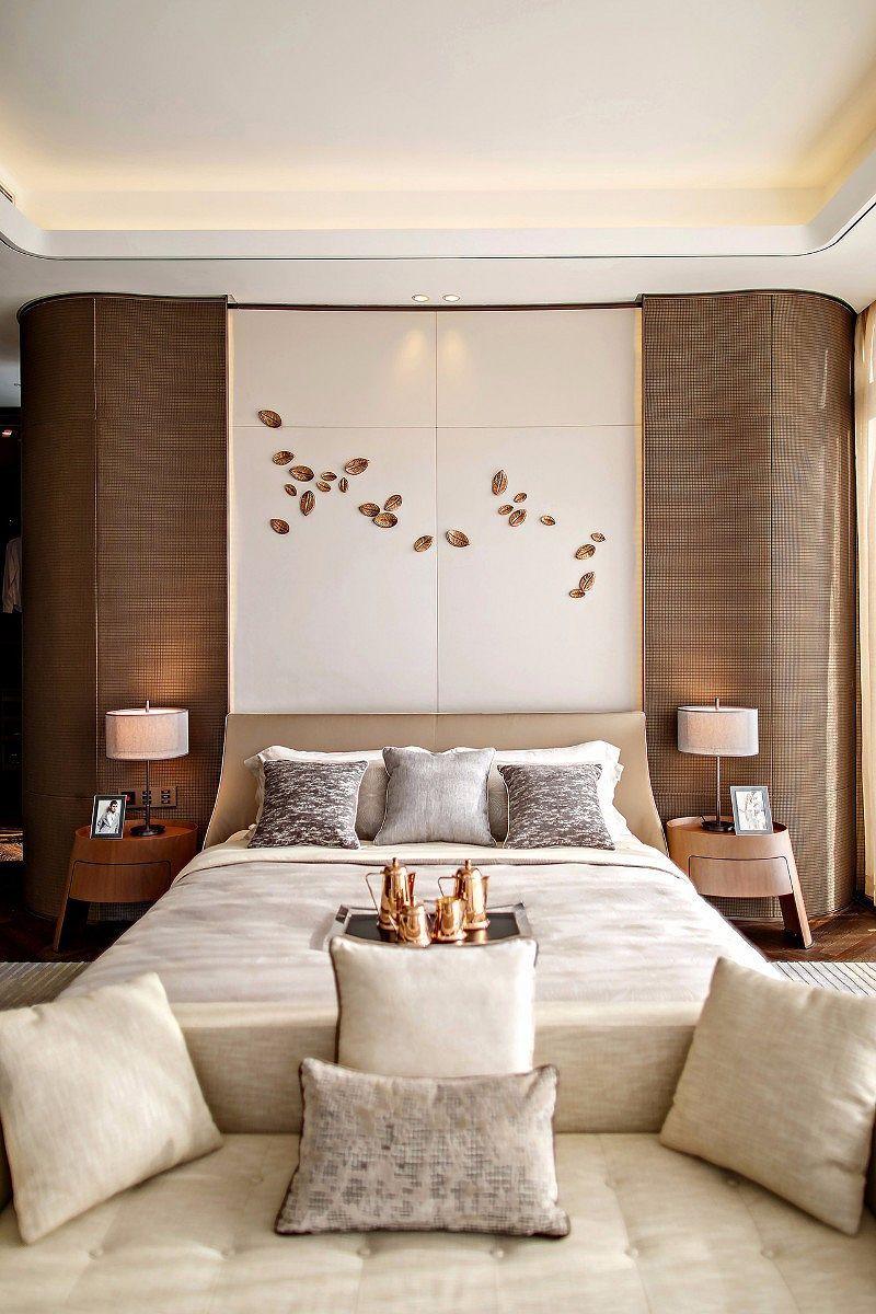 Incredible White Master Bedroom Interior Design