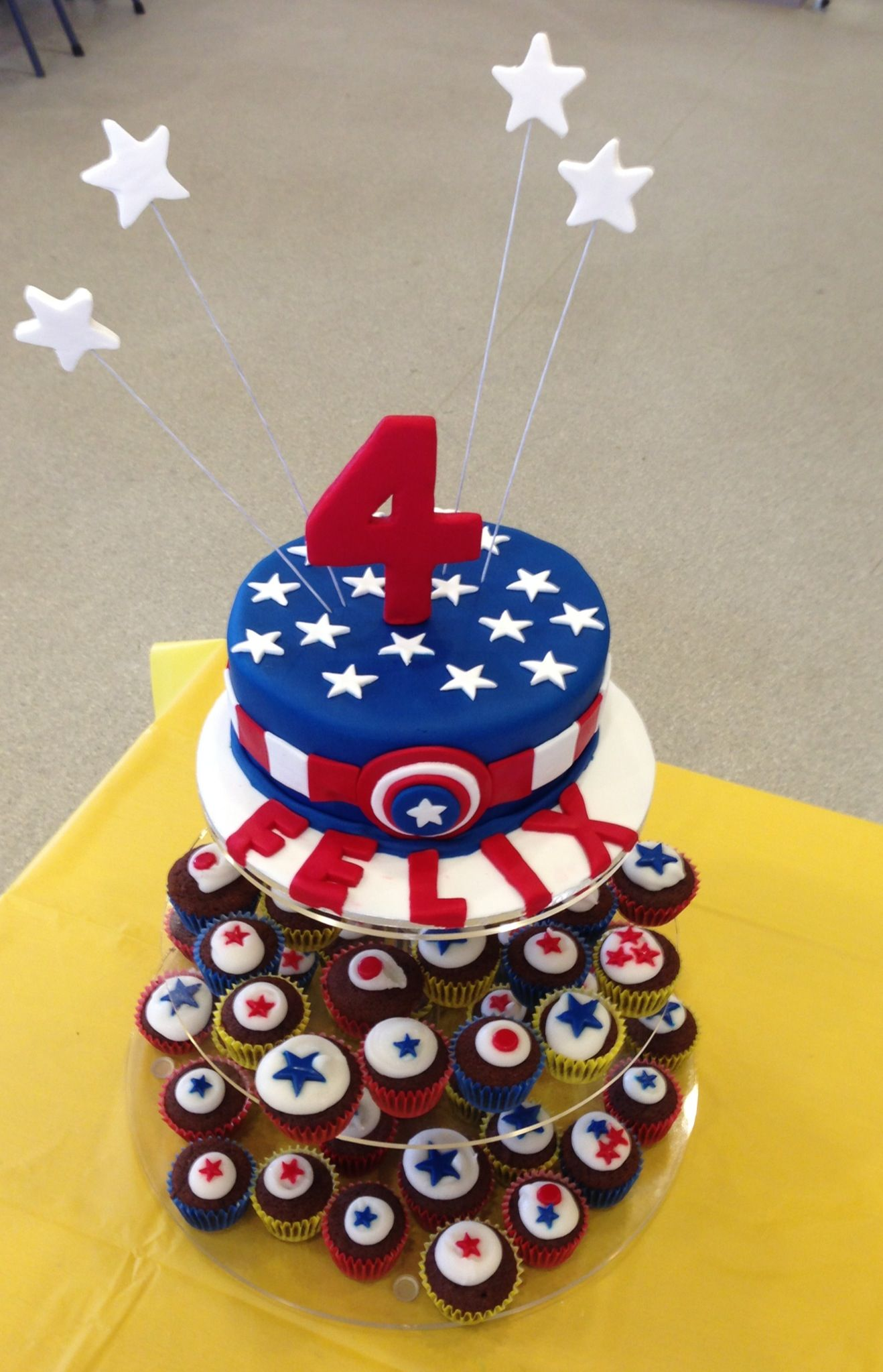 Captain America Kuchen Captain America Cake Cakes And Cupcakes Captain America Cake