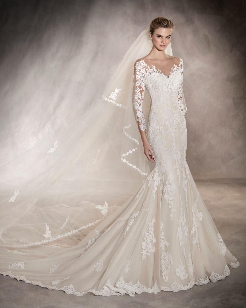 Pronovias malaysia long sleeves weddingdress works well for