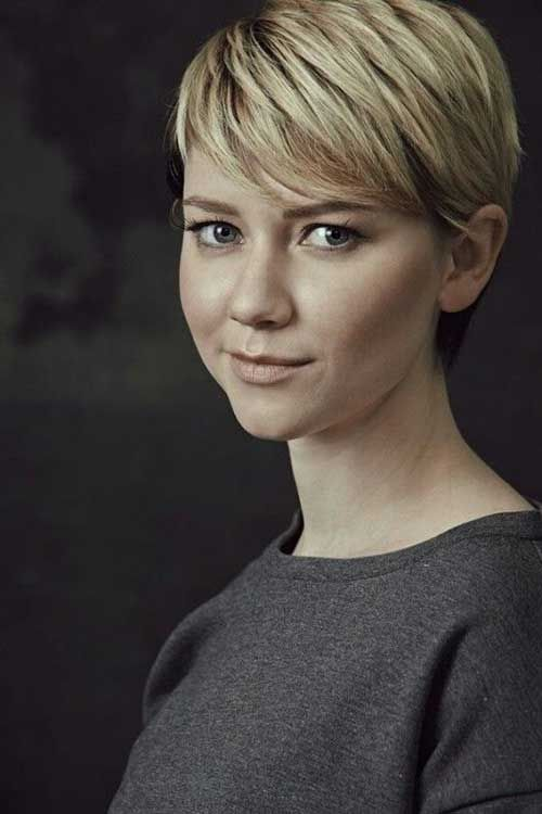 Classy Cute Short Hair for Chic Round Faces