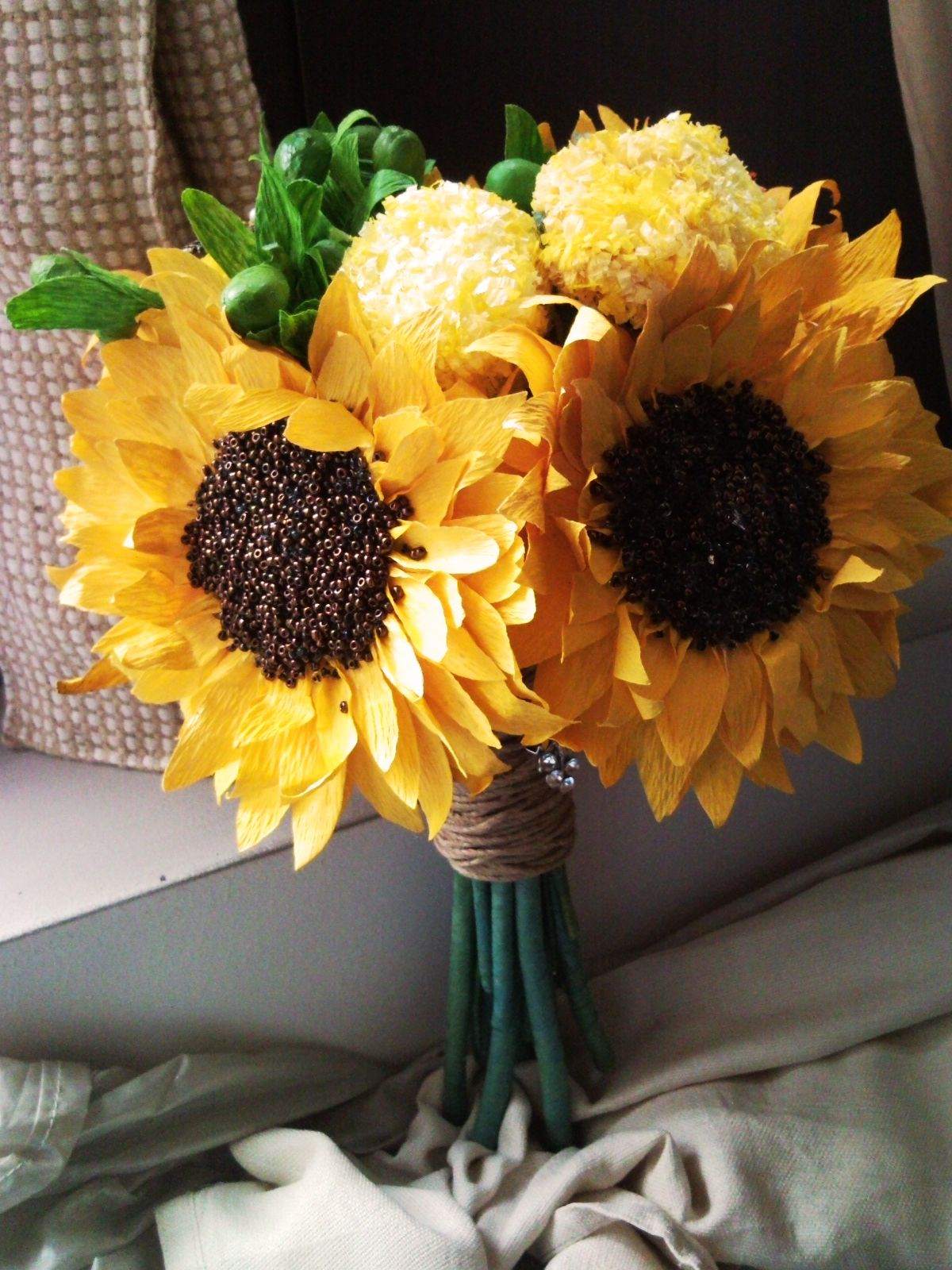 Paper sunflowers bouquet paper flowers boquets by me pinterest paper sunflowers bouquet dhlflorist Choice Image