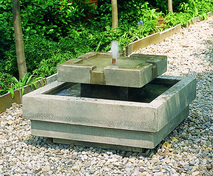The simple garden design with a fountain outdoor for Simple water features for backyard