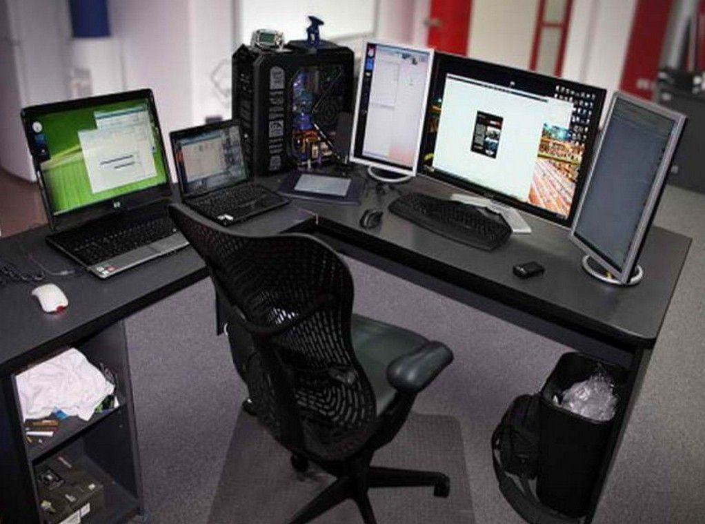 Best Corner Computer Desk Ideas For Your Home Gaming