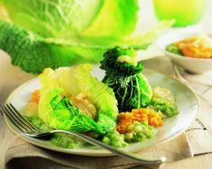 Fagottini di verza in crema di zucca e patate in salsa - Tutte le ricette dalla A alla Z - Cucina Naturale - Ricette, Menu, Diete