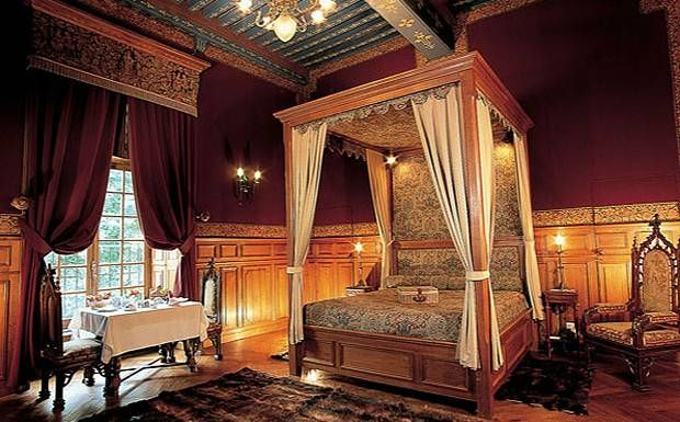 Medieval Castle Bedrooms | Medieval Castle Room The finest ...