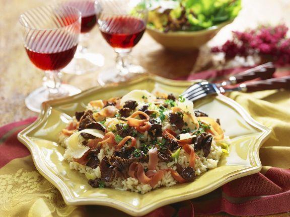 Risotto mit Pfifferlingen ist ein Rezept mit frischen Zutaten aus der Kategorie Risotto. Probieren Sie dieses und weitere Rezepte von EAT SMARTER!