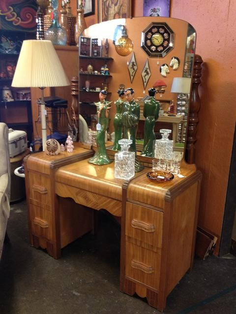 1940s Waterfall Bedroom Set My Mom Dad Had This Set Antique Bedroom Set Contemporary Bedroom Furniture Furniture Styles