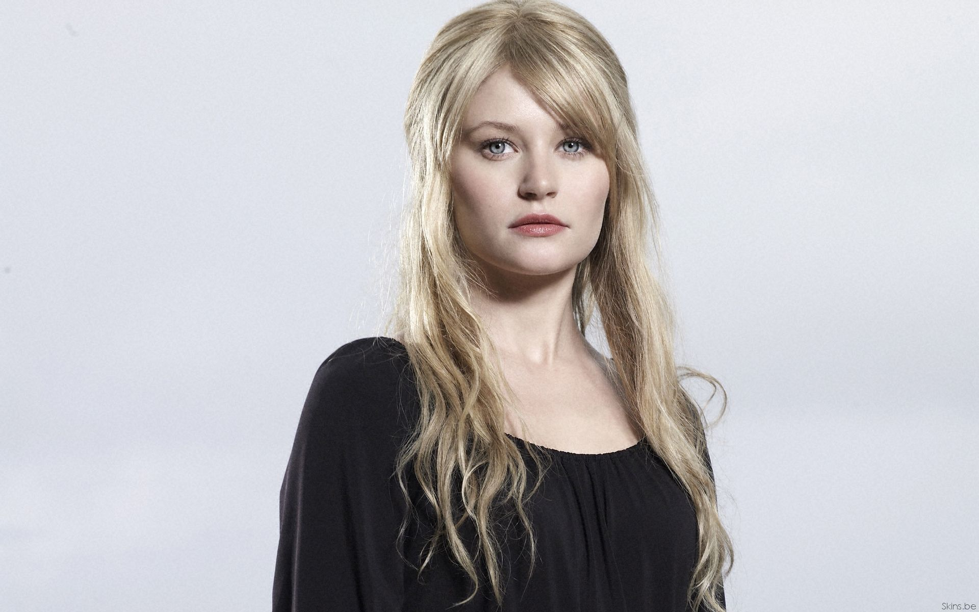 Hd Emilie De Ravin Wallpapers Emilie De Ravin Free Pictures Fantasy Cast