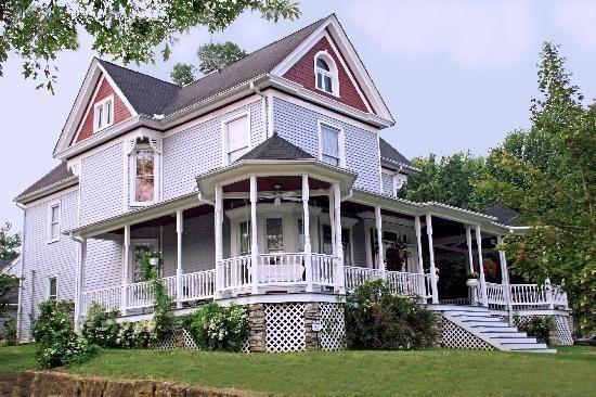 Kentucky Victorian photos   Eagle Hill Manor Bed & Breakfast