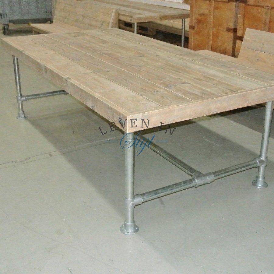 Industriele Tafel Sloophout.Industriele Tafel Van Sloophout Steigerhout Met Stalen Buizen