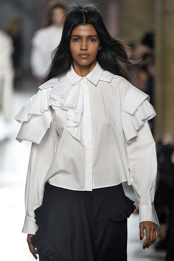 Fashion Snoops | Taylor RXX in 2019 | White fashion ...