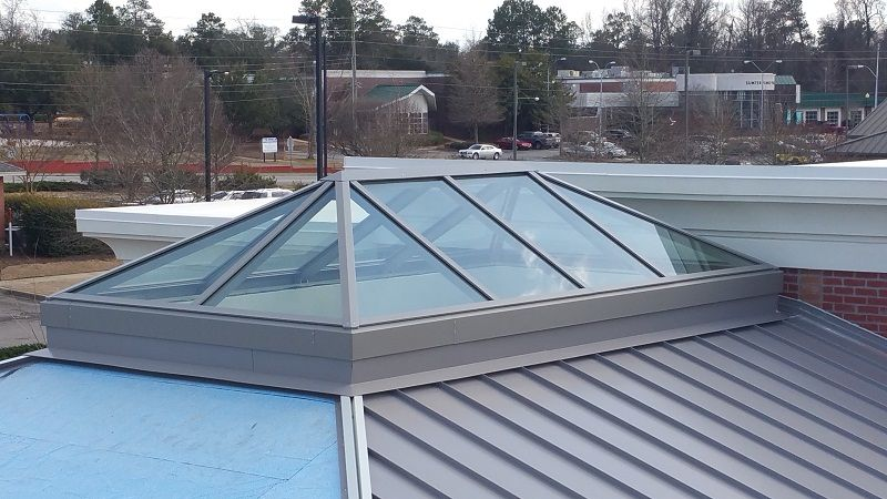 Polycarbonate Is A Solid And Resilient Kind Of Plastic Used Commonly In Construction Polycarbonate Dome Skylights Are Li Roof Lantern Skylight Laminated Glass