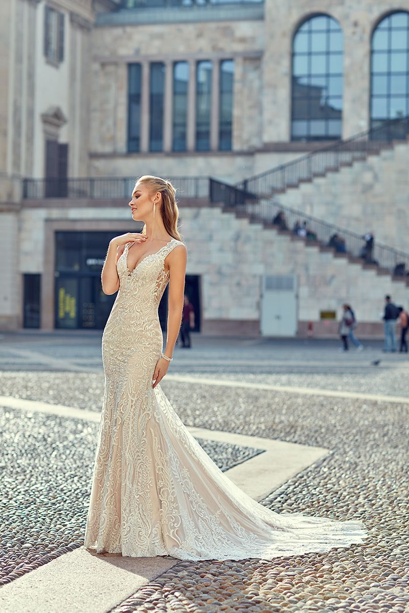 Milano Style MD252. Look at that lace pop! Colors: Ivory / Light ...