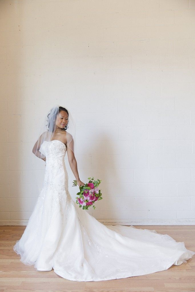 E Commerce Site Offers Pre Worn Wedding Gowns