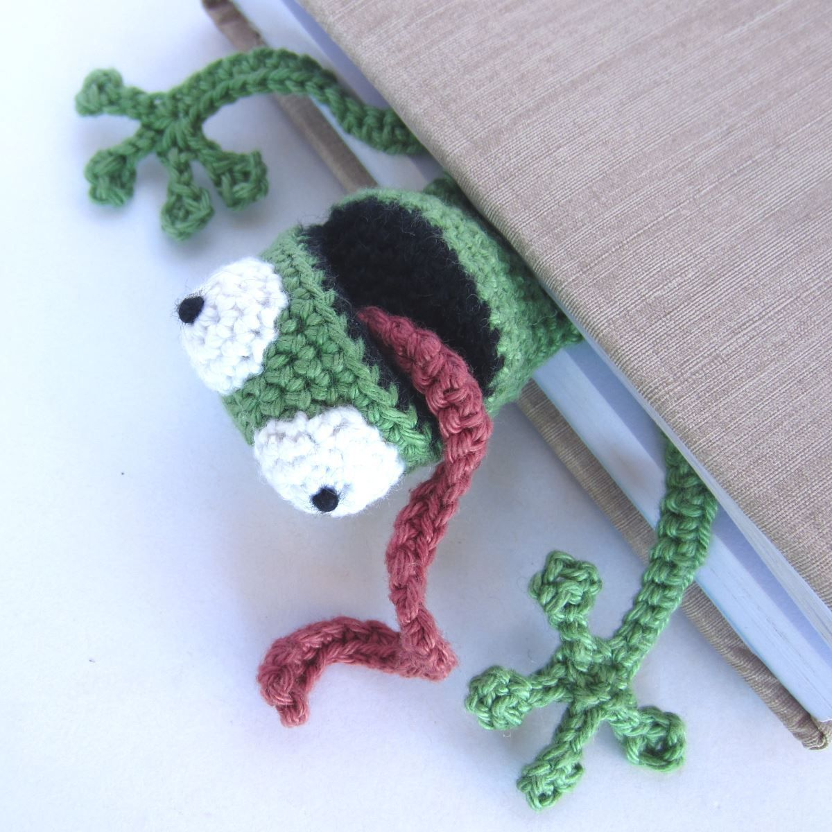 Amigurumi Frosch Lesezeichen Häkeln Beitragsbild Amigurumi Puppen