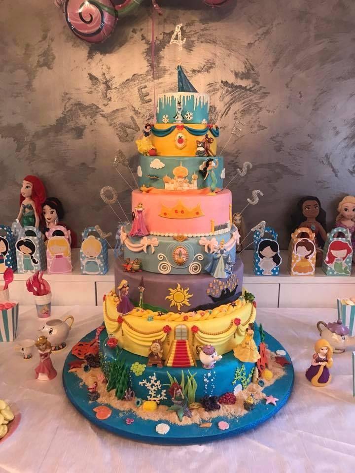 Over 30 Awesome Cake Ideas! Disney desserts, Disney