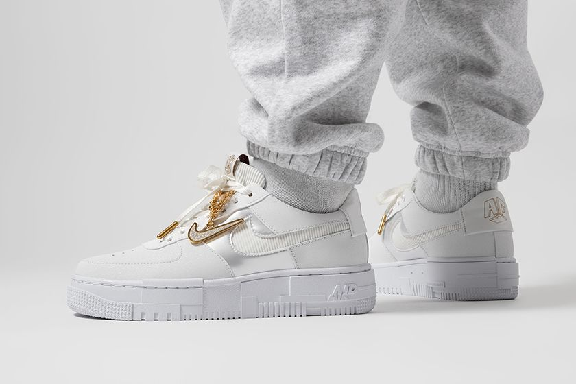nike-air-force-1-pixel-gold-chain | Chaussures air force one ...