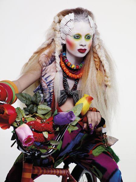 Illamasqua - Human fundamentalism  beautiful acid green eyes