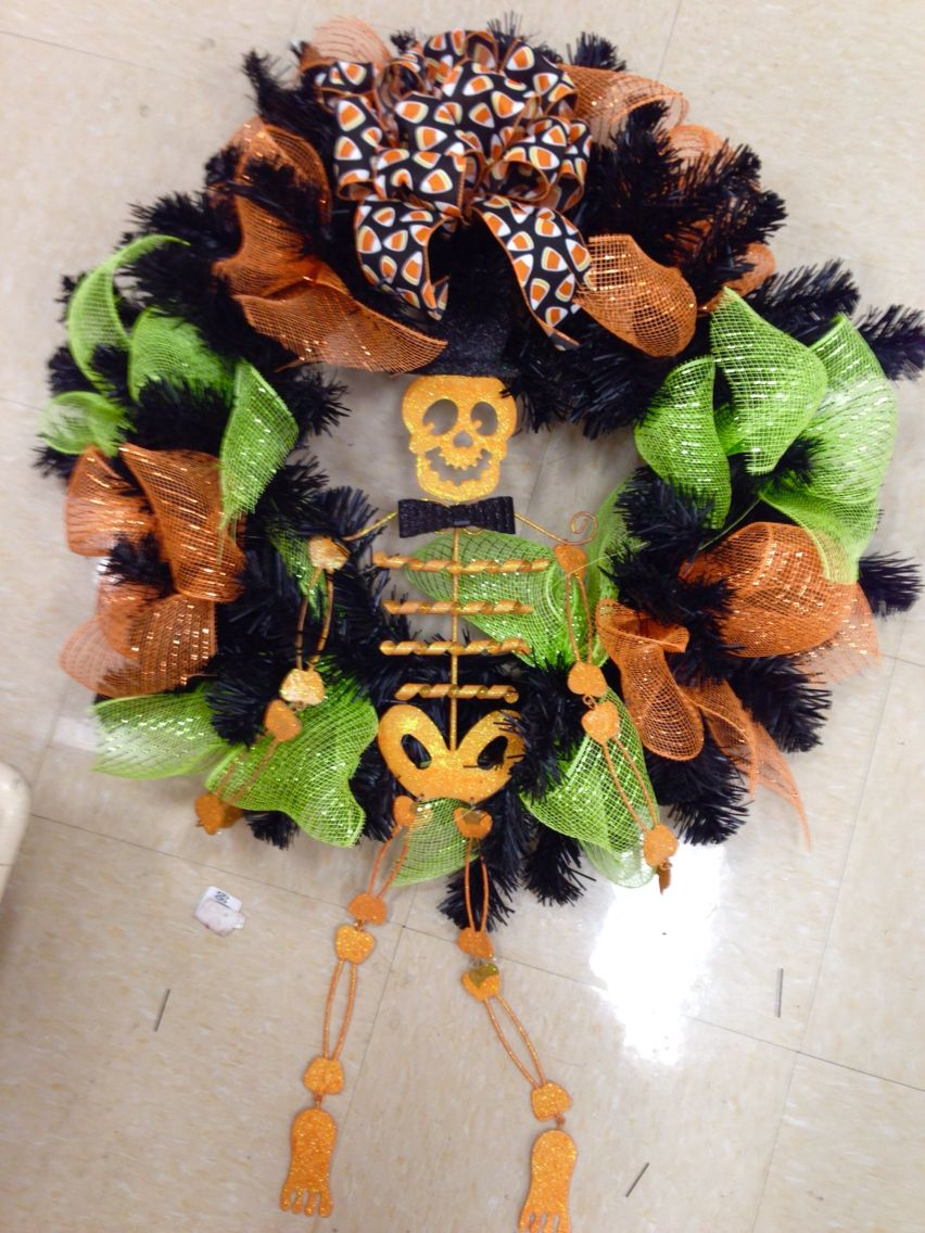 Halloween wreath with skeleton in top hat. Laura A. Tulsa